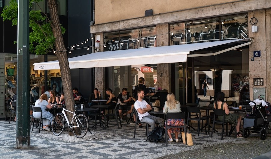 Kro Kitchen opened a new bistro & bar concept in Karlín
