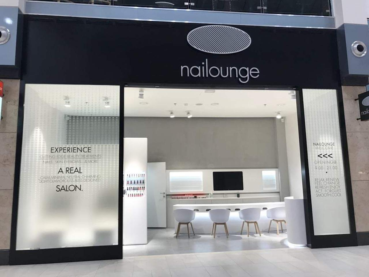 Representation and expansion of the nail studio NAILOUNGE