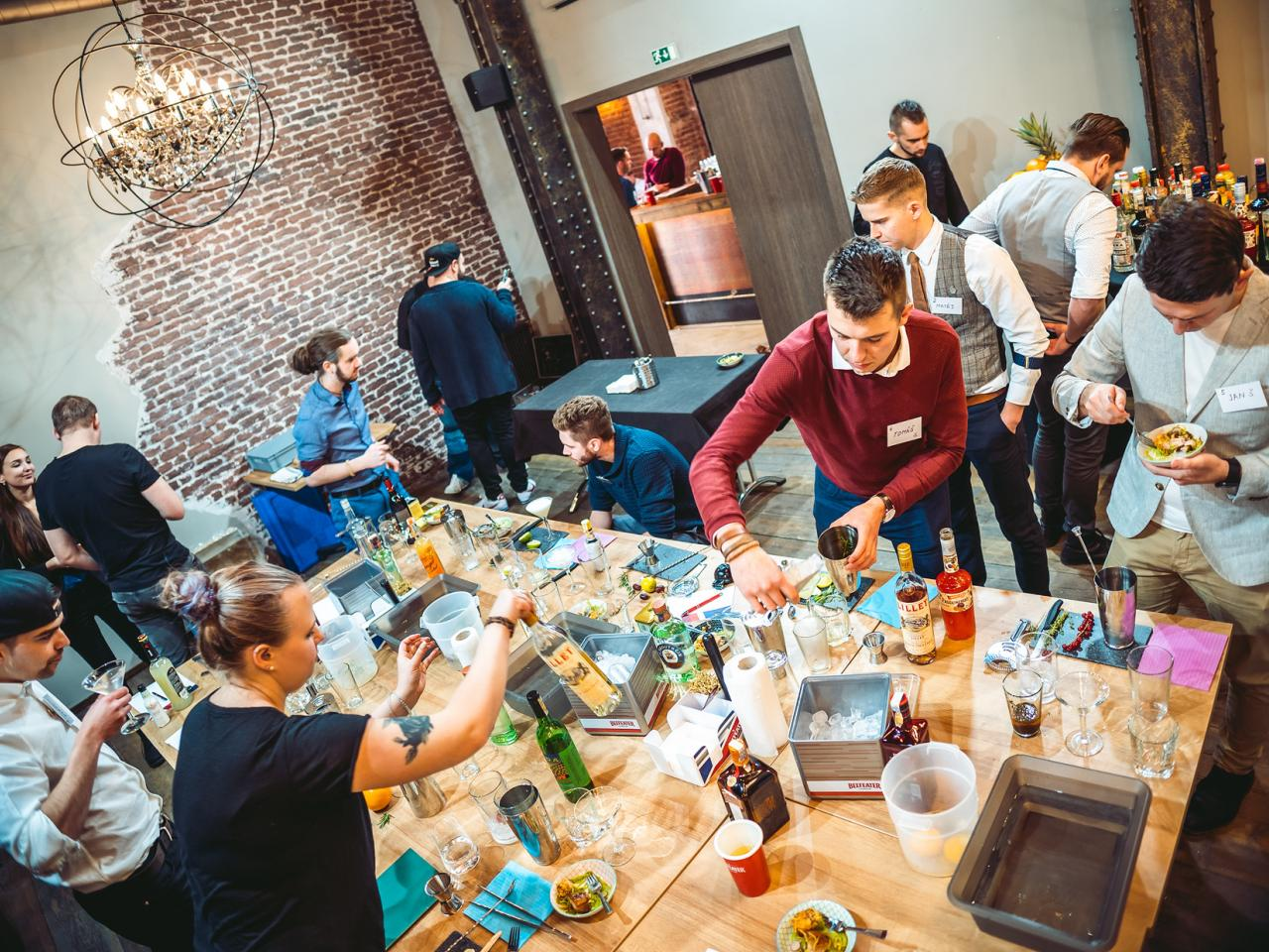 Barmanská soutěž Gin Hub Challenge v Endorfinu