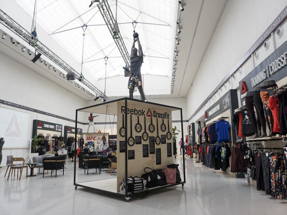 Reebok Experience Store - umění pohybu v Galerii Mánes