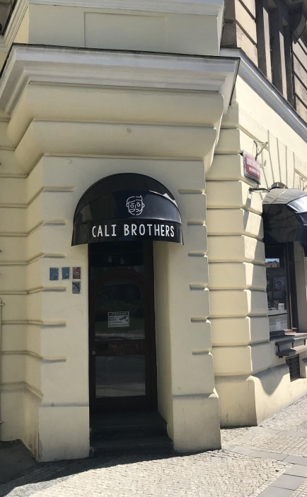 Restaurant with kitchen and bakery for rent, Holešovice