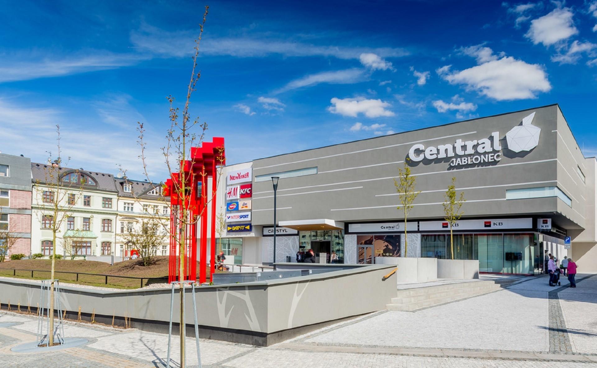 Pronajměte si atraktivní obchodní prostor pro stánek v OC Central JABLONEC