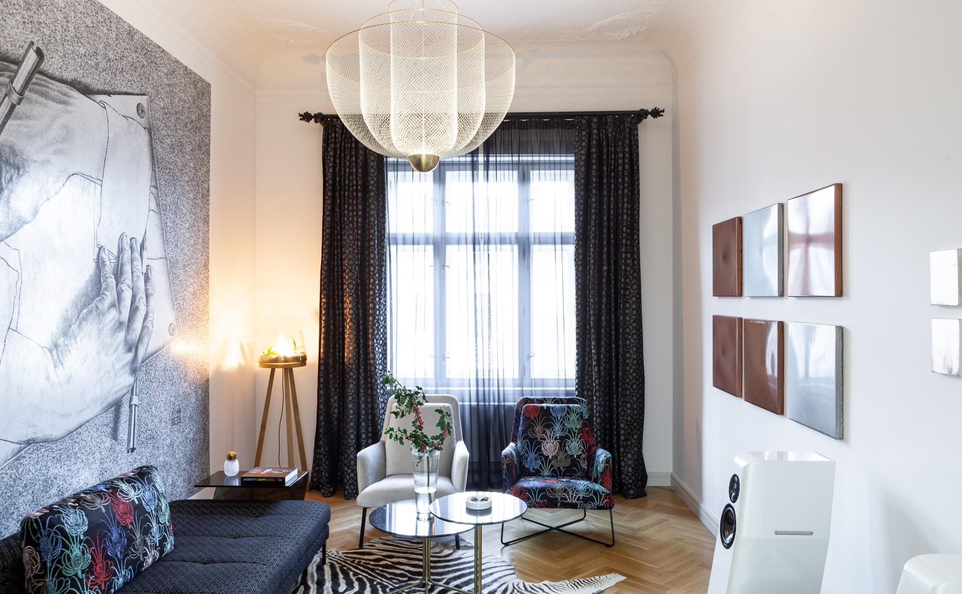 Luxusní apartmán k pronájmu, Pařížská