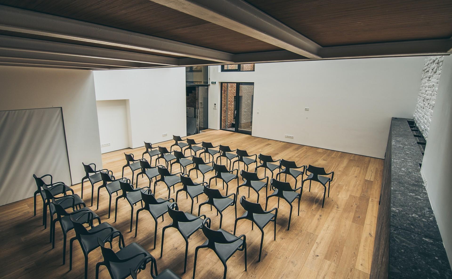 Prostor na seminář, Praha 7
