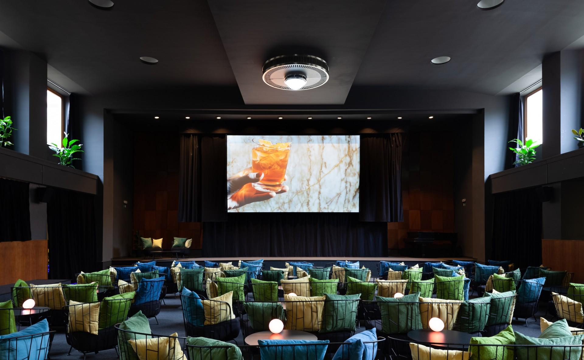 Cinema for rent, Prague 3