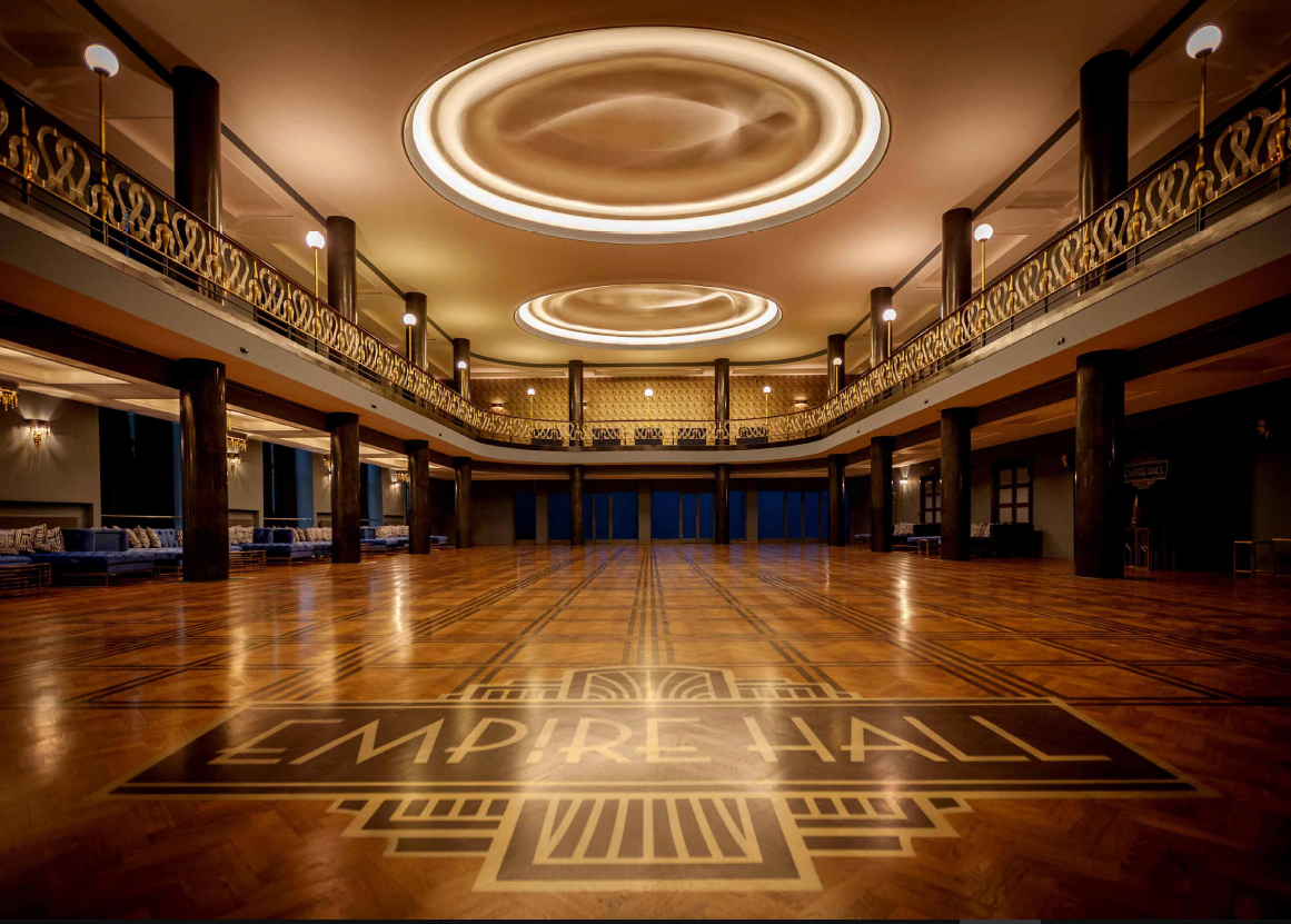 Large venue for conferences and parties in the Art Deco style