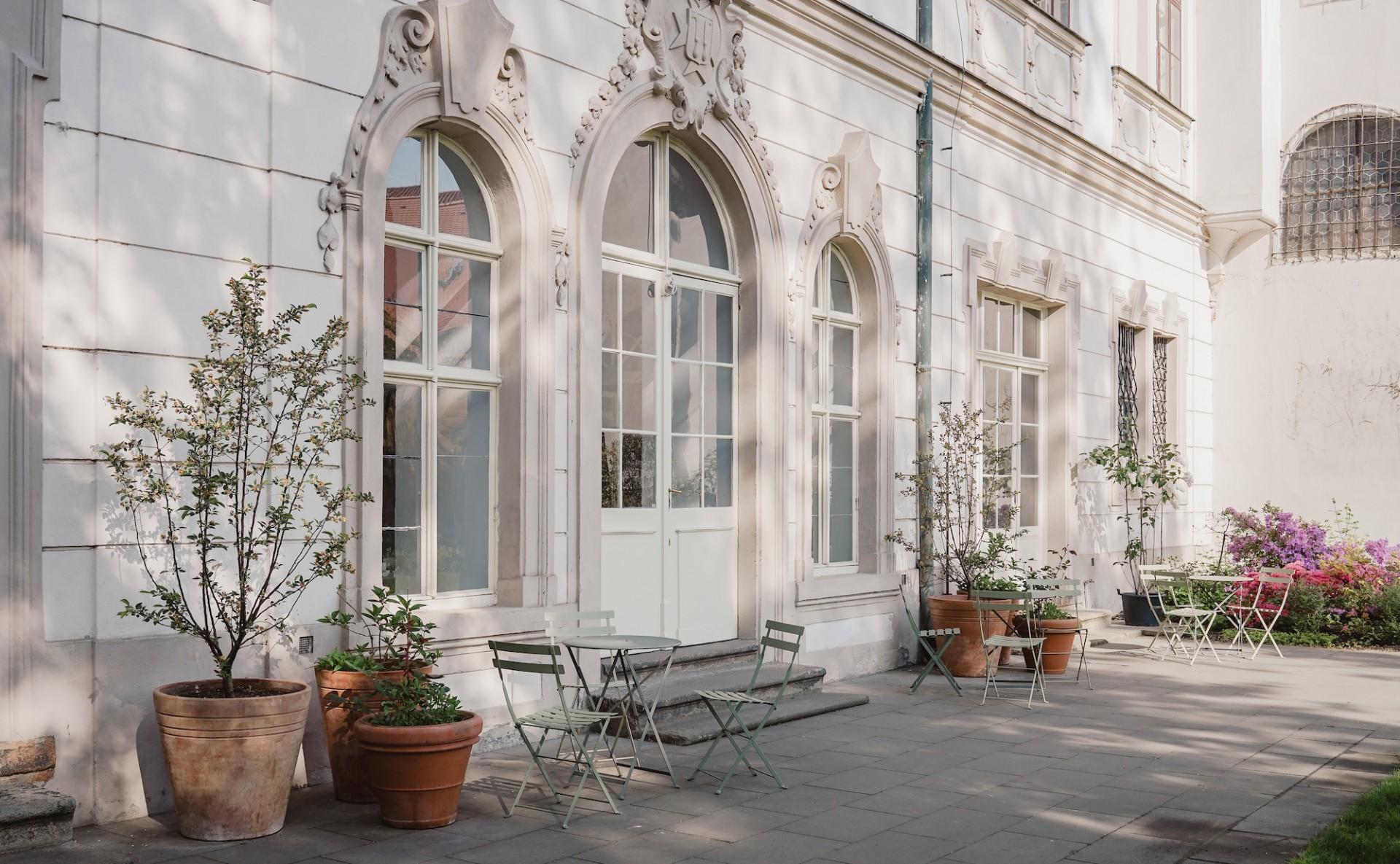 Garden for rent Prague 1