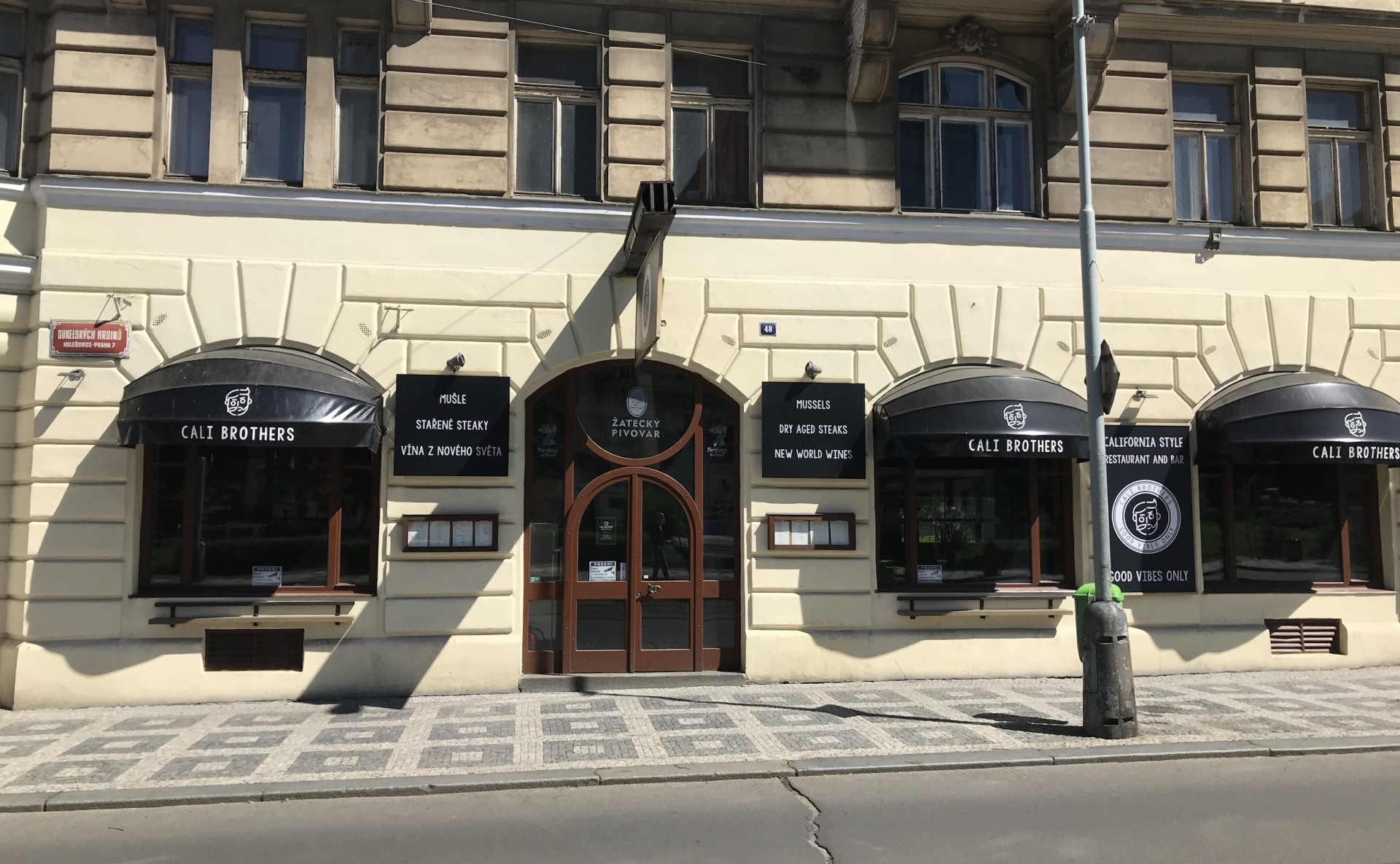 Pronájem vybavené restaurace Praha 7