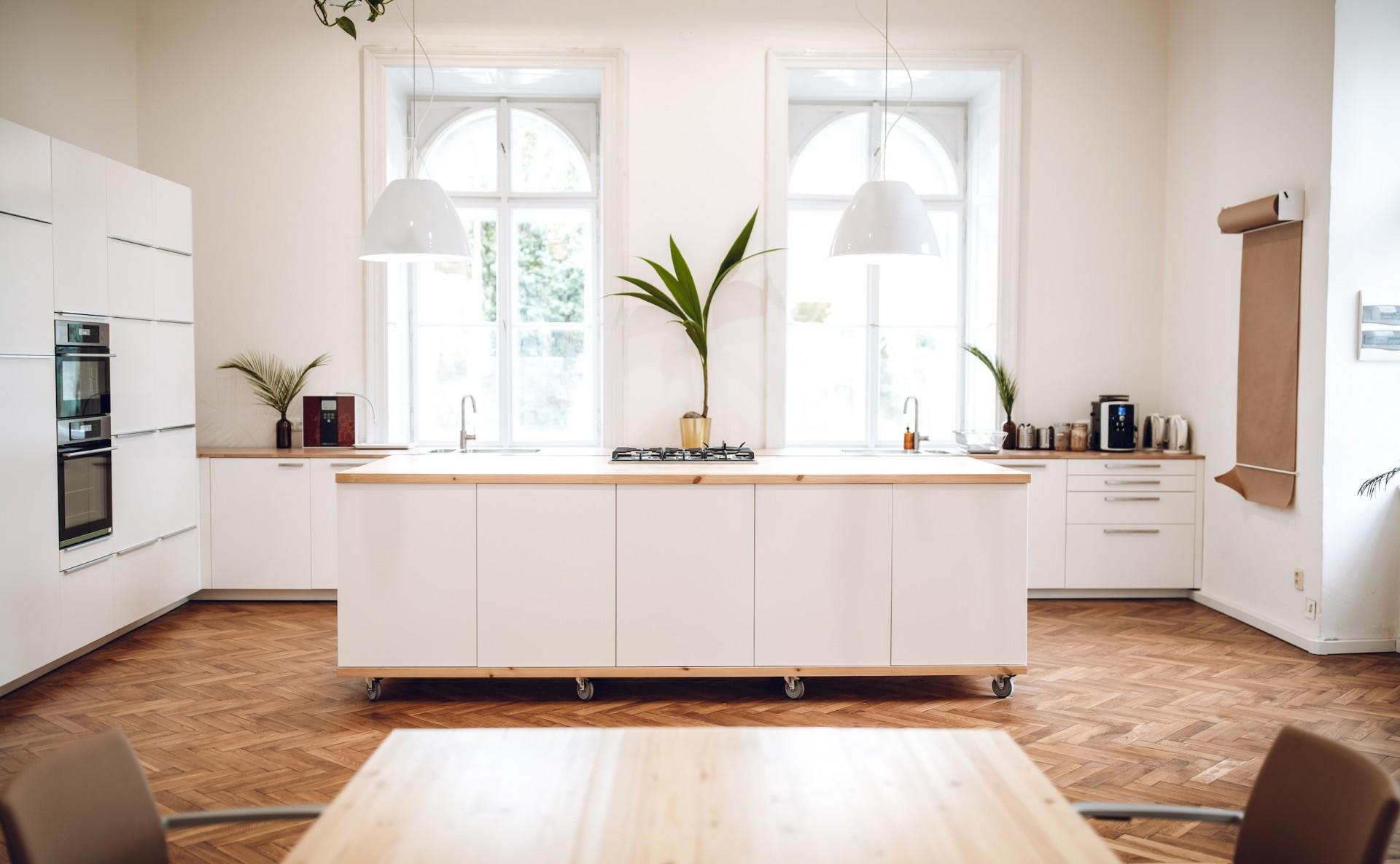 Prostor na semináře s kuchyní