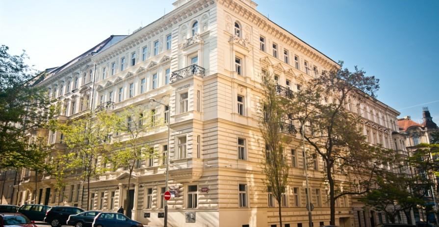 Pronájem kancelářský prostor na Vinohradech, ulice Mánesova - 226 až 366 m2