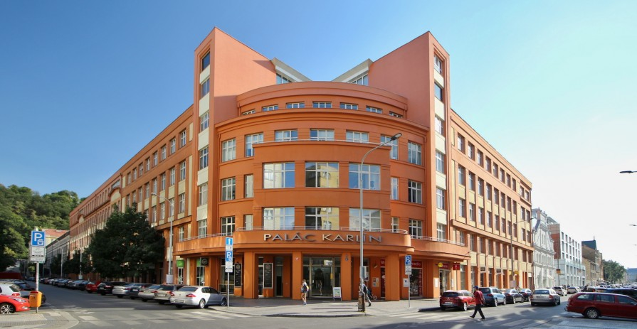 Office space in the heart of Karlín - 160 m2 to 530 m2
