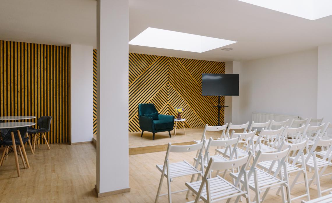 Stylish space for smaller workshops and seminars, Letná