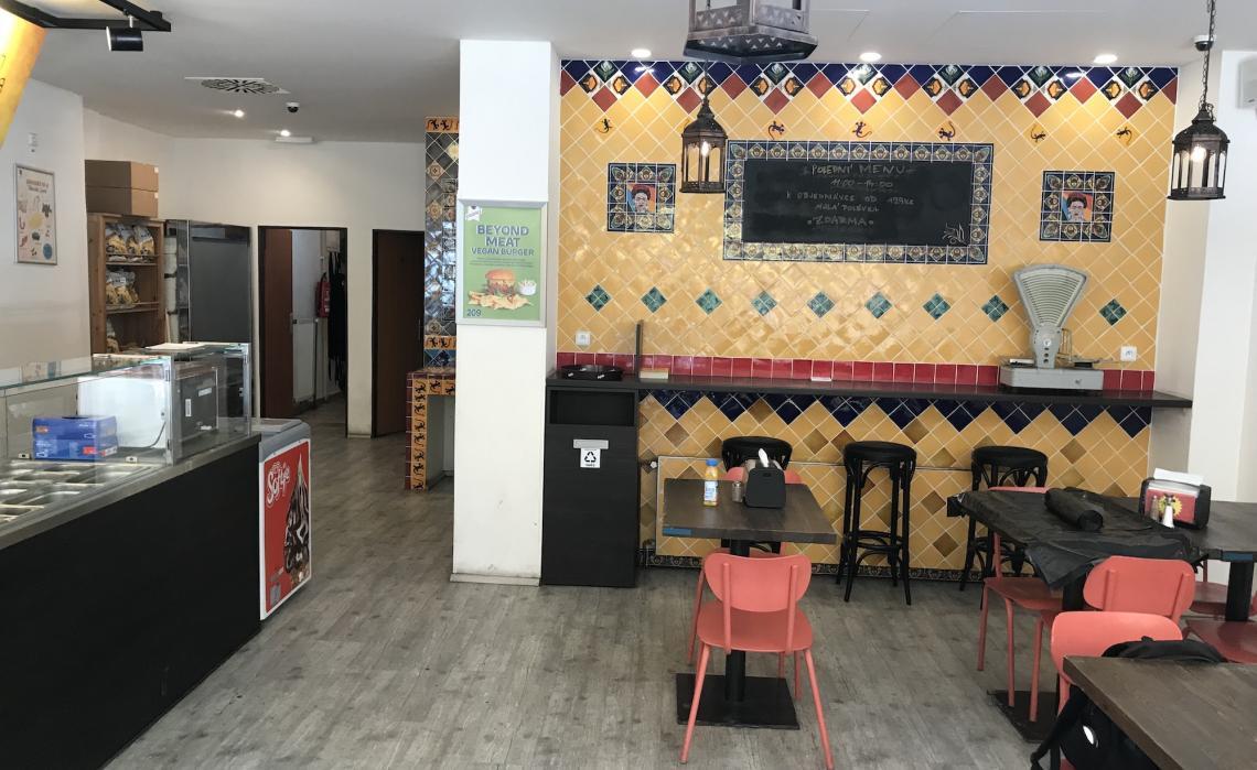 Restaurace / bistro s prostorným zázemím, ulice Sokolovská
