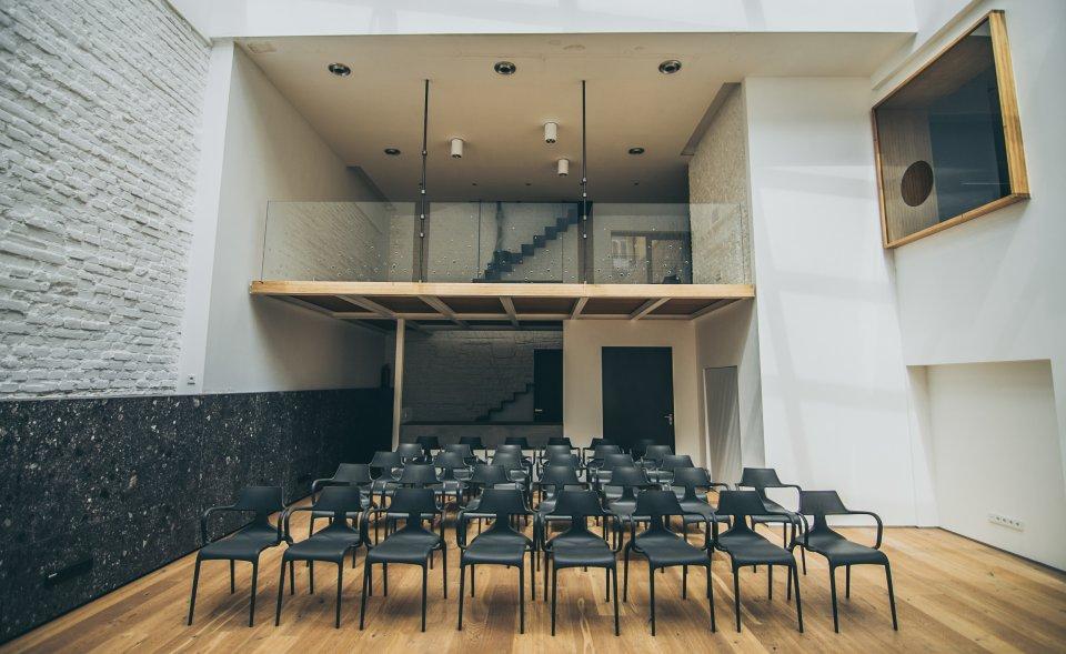 Moderní  prostory bývalé slévárny pro firemní akce, Letná