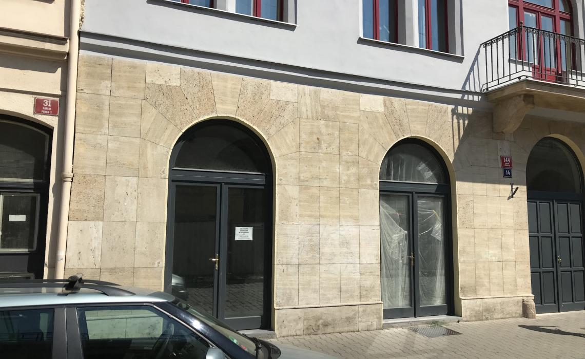 Commercial unit for rent in Karlín