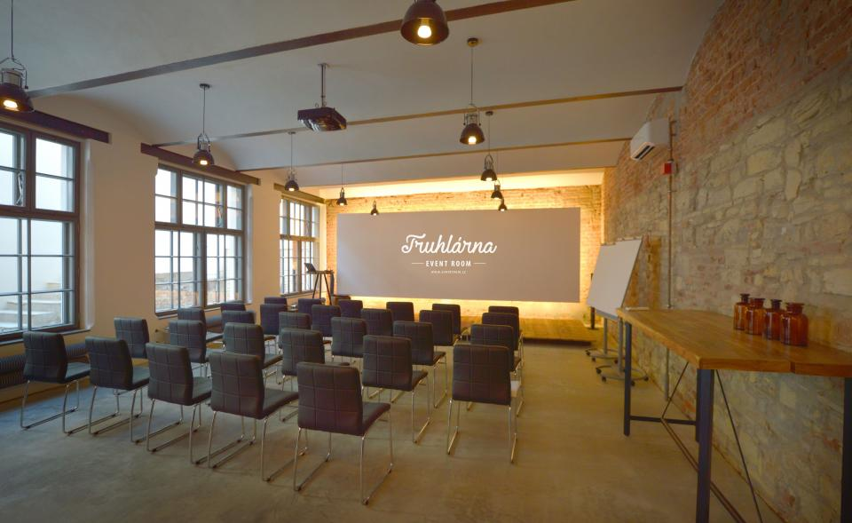 Multifunctional event space in the center of Prague - Karlín