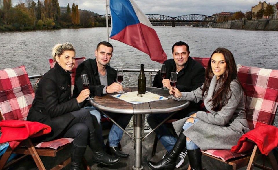 Zimní plavba po Vltavě